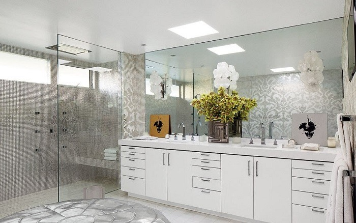 Bathroom design with Silver tiles and stone floor